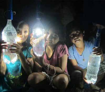 These Off Grid Solar Lights Are Made By The Communities Who Use Them