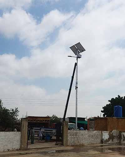 PAKSOLAR design and install every kind of solar street lighting solutions for your needs